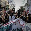 И покрај протестите, француската влада одобри два закона за пензискиот систем