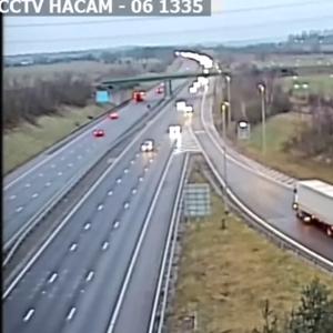Камионџија доби затворска казна поради опасно свртување на автопат во Британија