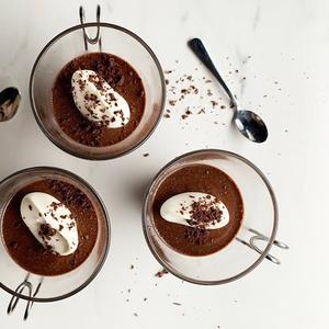 Денес е Светски ден на чоколадото, почестете се со мус од само 3 состојки