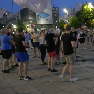 Петти ден протести во Србија, демонстрантите во Нови Сад ја блокираа полициската станица