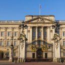Опозицијата ја повика Бакингемската палата да започне истрага за расизам