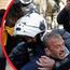 Снимка од полициско насилство поради кршење на мерките поттикна големи нереди во Грција