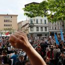 Водени топови, хеликоптери-нови протести против корона-мерките во Љубљана