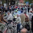 Полицијата го огради словенечкото Собрание во пресрет на вечерашниот антивладин протест