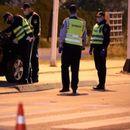 Двајца пијани браќа правеле журка па нападнале полицајци па се обиделе да избегаат