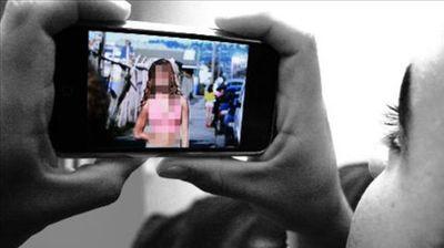 36 годишен жител на Богданци на малолетна девојка и покажувал слики со недолична содржина и ја допирал по телото