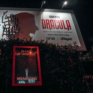 Генијален билборд користи сенки за да го оживее Дракула штом ќе зајде сонцето