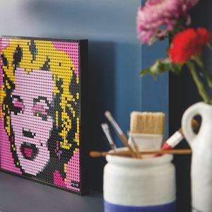 LEGO лансира специјални комплети за љубителите на поп-артот