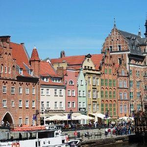 Полскиот град Гдањск започна со отстранување на рекламите од зградите кои го нарушуваат нивниот изглед