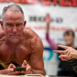 Го обори светскиот рекорд во склекови: Секоја чест на физичката подготвеност