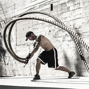 """Вежби со јаже: Сите мускули на """"готовс"""" за 4 минути"""