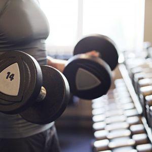 Познатиот фитнес тренер Крис Хеира советува: Вежбајте 5 минути за убаво тело- еве и како