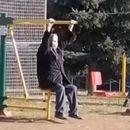 Додека младите спијат до пладне, таа тренира: Запознајте ја супер-бабичката од Врање (ВИДЕО)