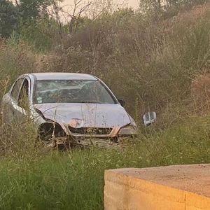 Возило излетало од патот кај мостот на реката Брегалница во Штип – нема повредени