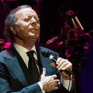 Властелинът на латиното: Хулио Иглесиас на 76!