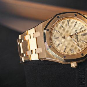 Луксузни часовници забележани кај славните личности