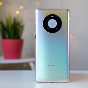 Въпреки забавянето, Huawei изглежда няма да закрие серия Mate