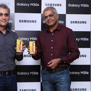 Samsung Galaxy M10s и M30s предлагат големи батерии