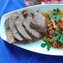 Јунешко месо во раскошен сос од сланина, зеленчук и црвено вино