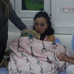NE MOGU DA IZDRŽIM, POČINJEM DA LUDIM: Aleksandra Subotić u suzama otkrila šta je muči i zbog čega ne može noćima da spava (VIDEO)