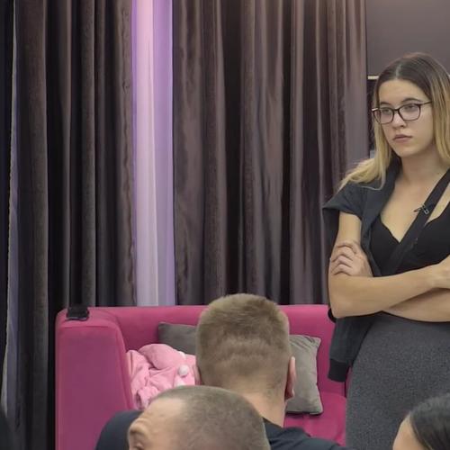 TATA JE U MOM ŽIVOTU SAMO SPONZOR: Mia Jovanović iskreno o poremećenim porodičnim odnosima