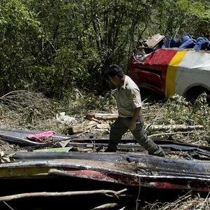 Најмалку 25 загинати при автобуска несреќа во Боливија