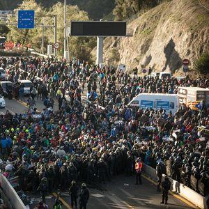 Полицијата го одблокира автопатот меѓу Шпанија и Франција, се очекуваат нови протесети