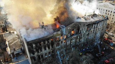 Тринаесет исчезнати во пожарот на студентскиот колеџ во Одеса