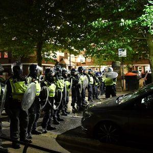 Десетина лондонски полицајци повредени при растутање нелегална забава