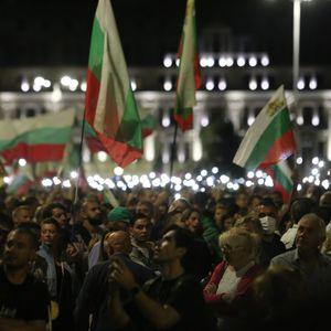 Антивладините протести го одбележаа националниот празник на Бугарија