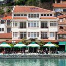 Момче од Србија паднало од тераса во Охрид