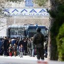 Сириски бегалци нагрнаа на границите на Грција и Бугарија