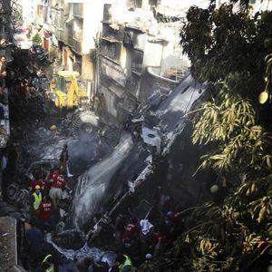 Луда среќа или чудо: Преживеа пад со авион, има само гребнатики