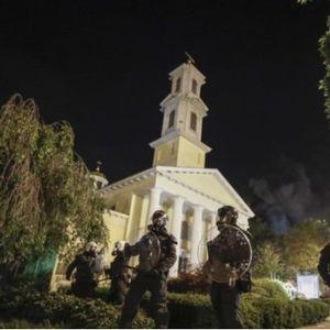 Демонстранти запалија црква во близина на Белата куќа