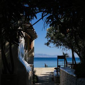 Грција се подготвува за летото. Дали некој сака да оди таму?