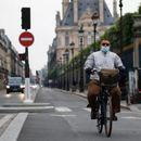 Од идната година мотоциклистите во Париз ќе мораат да плаќаат за паркирање, за е-скутерите бесплатно