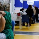 Седумдесет отсто од Израелците ја примиле првата доза на вакцината