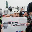 Олеснет домашниот притвор на братот и на приврзаниците на Навални