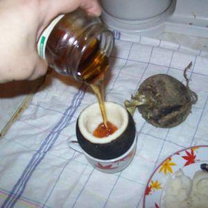 Ќерка ми успеав да ја спасам од астма со мед во црна ротквица и веќе 20 години не е астматичар!