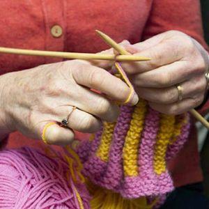 Исто како да сте на одмор: Плетењето е нова јога за мозокот – релаксација и здравје
