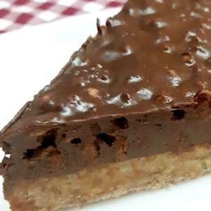 Чоколадно лудило: За точно 10 минути ќе го приготвите најкремастиот колач на светот, без печење