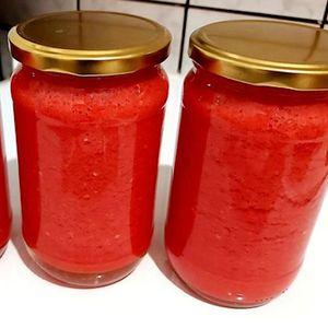 Најлесен и најбрз начин на конзервирање домати за зимница без конзервански – рок на траење над 2 години