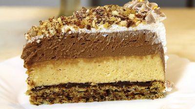 Ретро торта со плазма кекси и чоколадо за максимално уживање – рецепт на кој носталгично ќе се присетите