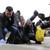"""Со """"Не биди ѓубре"""" за почиста животна средина: Заев чистеше во општина Бутел"""
