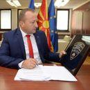 Нухиу на Фејсбук: Актите за двојазични полициски амблеми се потпишани