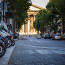 Три евра час паркинг за мотор во Париз