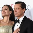 Анджелина Джоли и Брад Пит  се разведоха официално