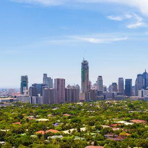 """Инцидент с небостъргача """"Анкор Скайсютс"""" след земетресението на Филипините (ВИДЕО)"""
