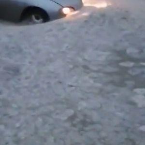 Проливен дъжд наводни ключови булеварди във Варна (ОБЗОР)