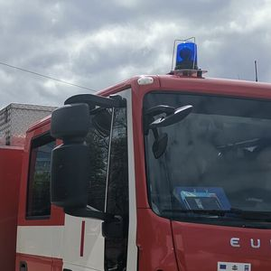 Камион изгоря на пътя за Рожен